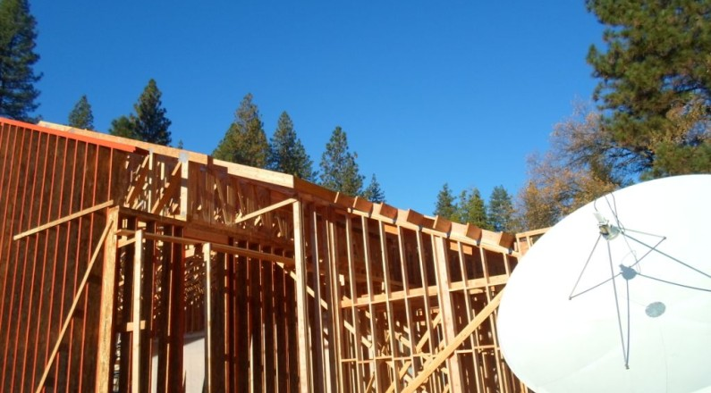Overhang and entry framing